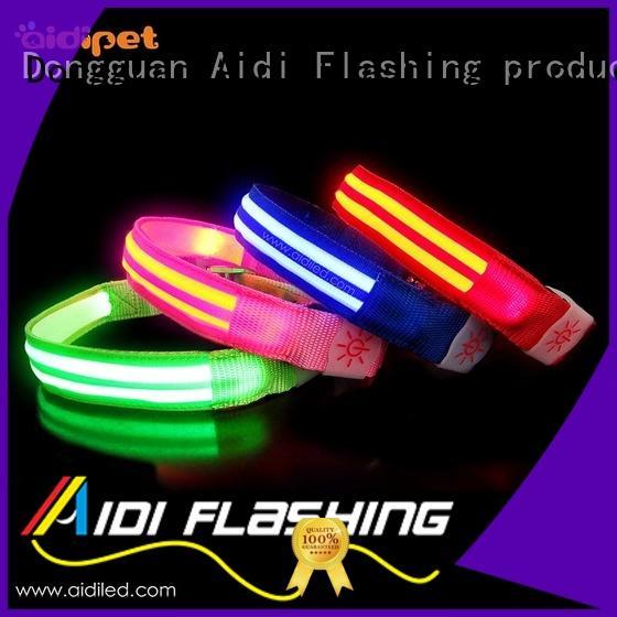 AIDI buckles flashing dog collar