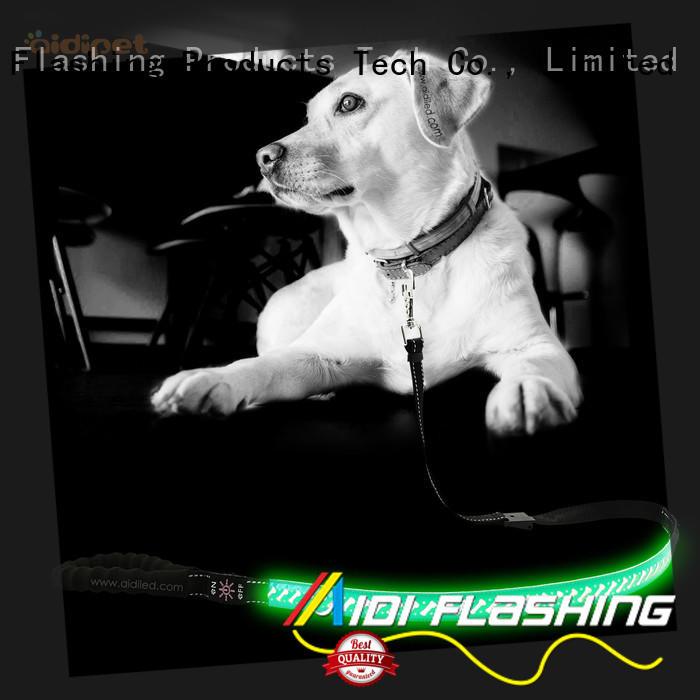 AIDI flat illuminated dog leash design for park