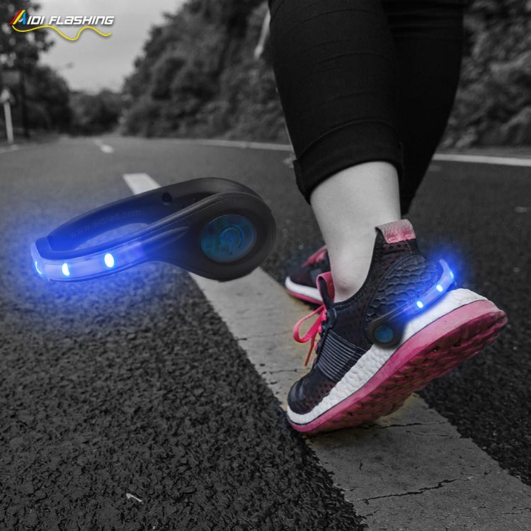 Led USB rechargeable clip on shoe light AIDI-S4-7